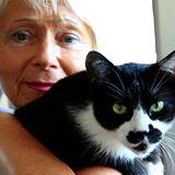 """alt=""""Maria Grazia Sereni con il gatto Humphrey"""""""